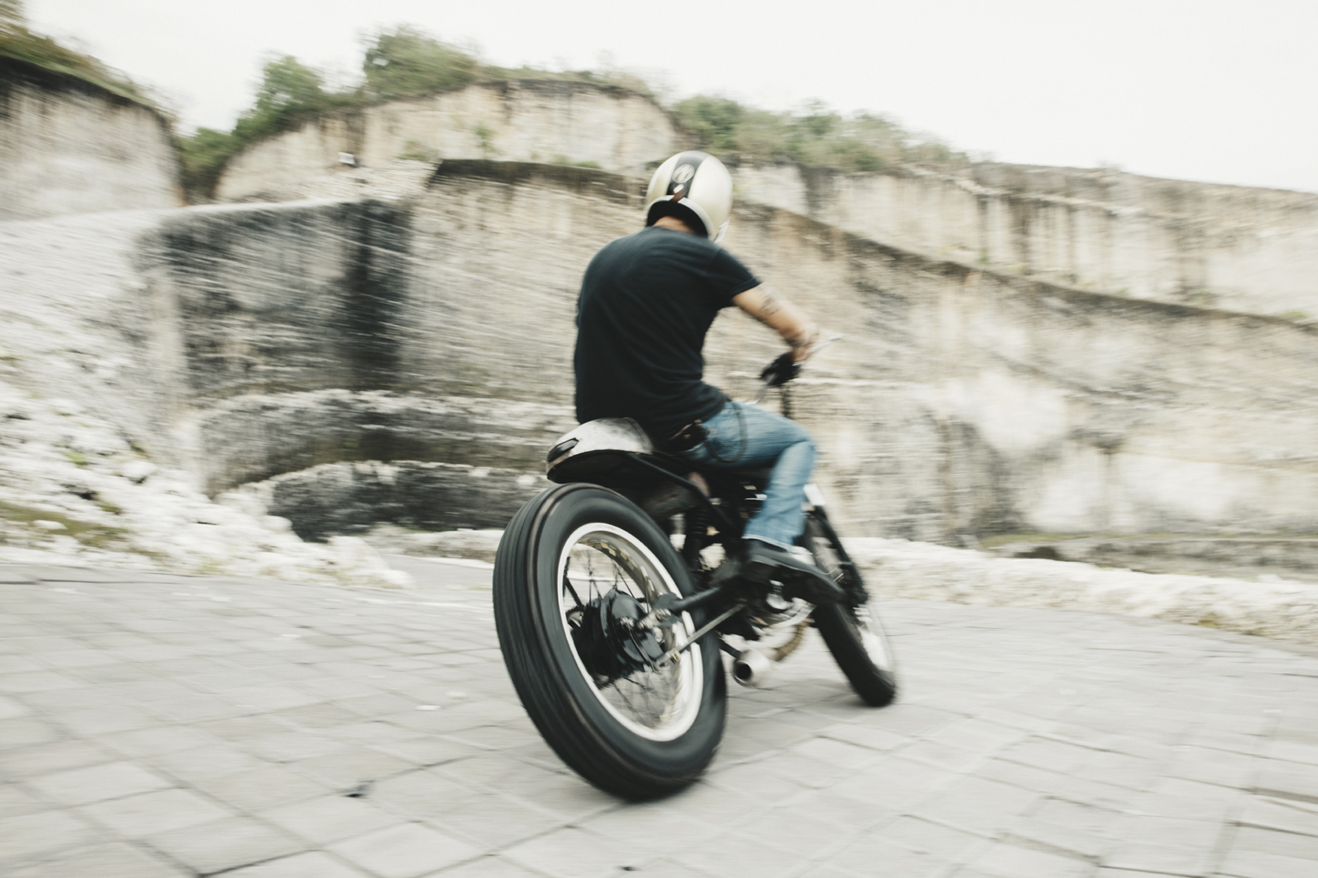 CARLES CARABÍ MALAMADRE MOTORCYCLES – THE AUTHENTIC CUSTOM RIDE